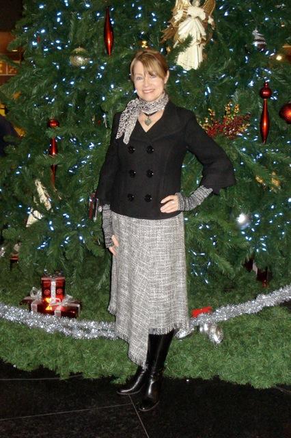 Asymetrical fringed skirt