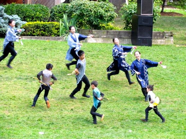 Japanese dancers 4