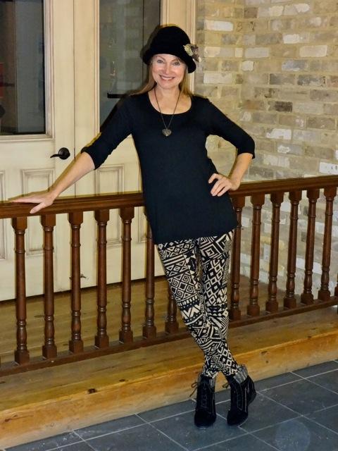 black and white leggings 1