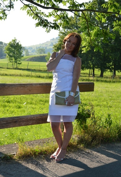 http://www.ladyofstyle.com/2013/07/summer-white.html