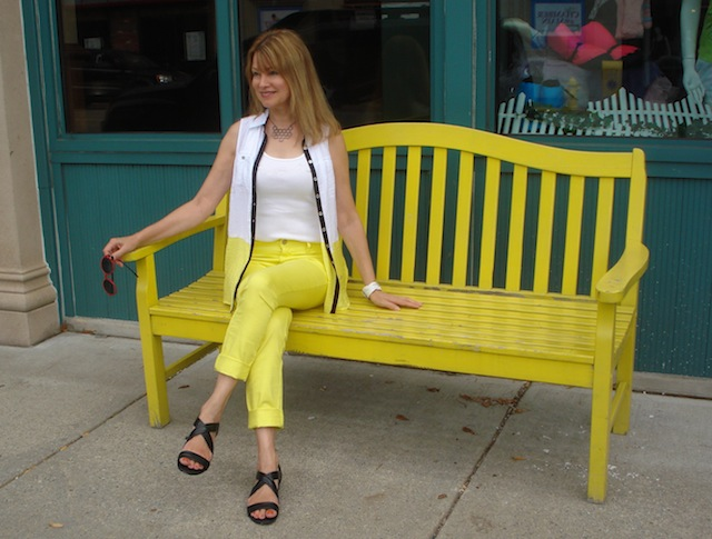 yellow skinnies with white top