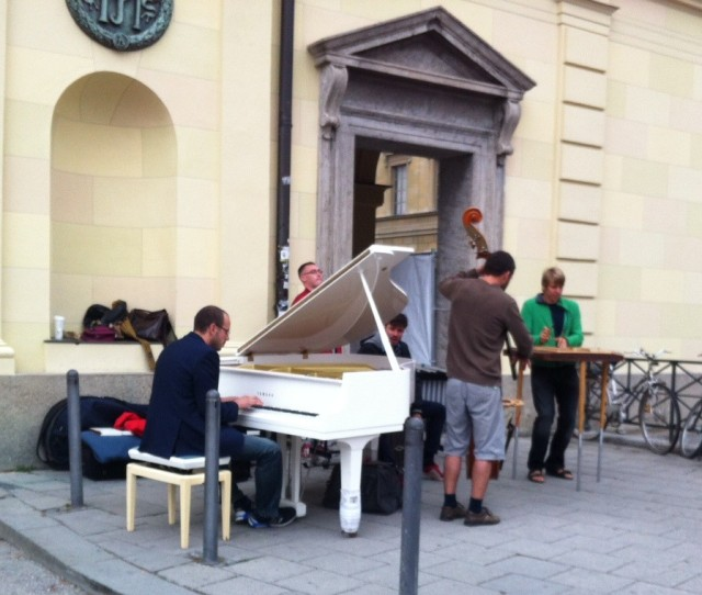 street musicians