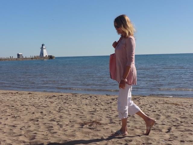 walking-along-the-shore