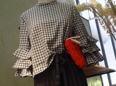 gingham blouse b