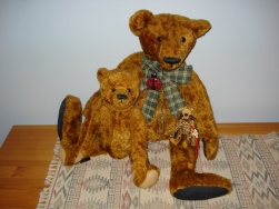 Ginger and Nutmeg - artist bears made in Canada